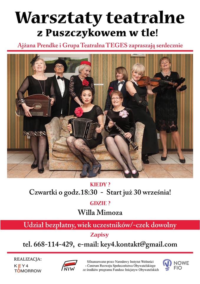 Plakat reklamujący warsztaty teatralne z Grupą Teges, grupa kobiet wystylizowanych na kobieca orkiestrę z lat 20 XX wieku pozuje w salonie z tej epoki.